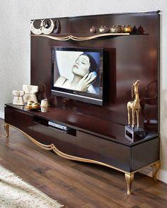 Bir proje bir deneyim...✔✔✔Farklı bakış açısı için 👉👉👉 www.lunatarz.com 📩📩📩info@lunatarz.com ✔✔✔Hayallerin gerçekleştiği yer... ✔✔✔Size… Tv Furniture, Classic Furniture, Furniture Design, Glamour Living Room, Living Room Tv, Gold Bedroom Decor, Tv In Bedroom, Small Balcony Decor, Tv Stand Designs