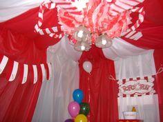 Table cloth carnival tent,tissue balls and carnival decor