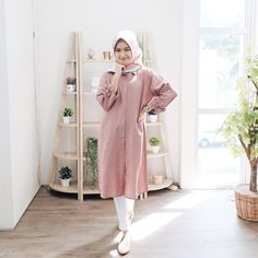 Ootd Hijab, Hijab Chic, Hijab Outfit, Modest Fashion, Hijab Fashion, Women's Fashion, Fashion Outfits, Islam Women, Modern Outfits