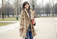 Camel coat by Laura Comolli (Purses&I), via Flickr