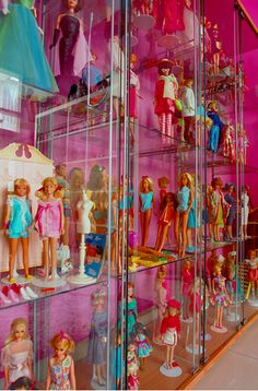 I would love a doll showcase like this for my Barbies. This photo belongs to        girl enchanted's photostream