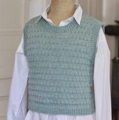 Vårgrøn vest i strukturmønster - susanne-gustafsson. Teenage Outfits, Winter Gear, Knit Vest, Kawaii Clothes, Drops Design, Latex Fashion, Outfit Of The Day, Knit Crochet, Knitting Patterns