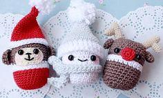 Если у вас нет времени вязать большую игрушку на Новый год, но сделать сувениры своими руками все-таки хочется, предлагаю взять за основу капсулу от киндер сюрприза. В этом мастер-классе я покажу, как связать простого снеговика, но вариантов дизайна намного больше! А для тех, кто любит видео-формат, уже по традиции в конце мастер-класса есть запись этого урока :) Для вязания снеговика были использованы: 1.