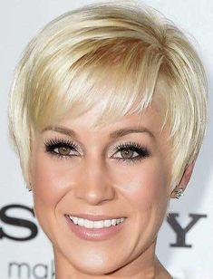 Short Elegant Simple Blonde Hair