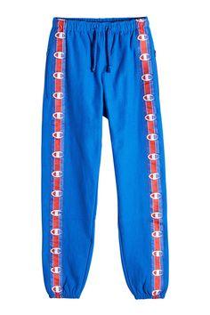 VETEMENTS X Champion Cropped Track Pants. #vetements #cloth #