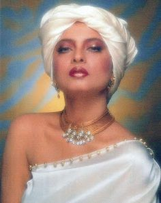 Rani Mukherjee: Rekha Old Pictures Collections Bollywood Photos, Bollywood Stars, Bollywood Celebrities, Actress Pics, Indian Film Actress, Indian Actresses, Rekha Actress, Bollywood Actress, 80s Actresses