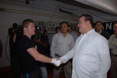 El gobernador Javier Duarte de Ochoa acude a pelea de box celebrada en Veracruz