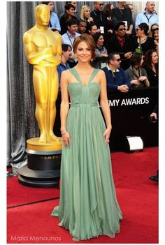 Maria Menounos in the popular Maria Lucia Hohan gown <3