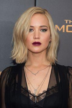 Jennifer Lawrence dark lipstick
