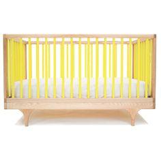 Lit bébé design, original et écologique. Kalon Studios conçoit du mobilier enfant moderne et durable.