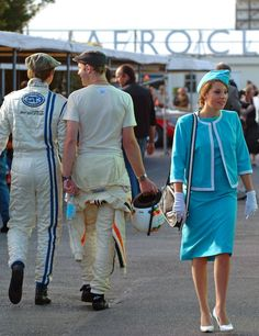 Best of Behind the Scenes at the Goodwood Revival - Photo Gallery Cool Car Pictures, Car Pics, 1950s Fashion, Vintage Fashion, Beautiful Outfits, Beautiful Things, Chichester West Sussex, Goodwood Revival, Dieselpunk