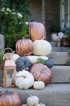 To Make Copper Pumpkins in 15 Minutes How-to-make-copper-pumpkins in 15 minutes. DIY copper pumpkins- Decorating for fall with metallic pumpkins.How-to-make-copper-pumpkins in 15 minutes. DIY copper pumpkins- Decorating for fall with metallic pumpkins. Thanksgiving Decorations, Seasonal Decor, Halloween Decorations, Christmas Porch Decorations, Pumpkin Wedding Decorations, Autumn Decorations, Fall Wedding Centerpieces, Pumpkin Centerpieces, Metal Pumpkins