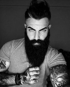 These are the 3 most common beard grooming mistakes that every man makes and need to be made extinct! Long Beard Styles, Beard Styles For Men, Hair And Beard Styles, Beard Model, Full Beard, Long Beards, Beard Grooming, Awesome Beards, Beard Tattoo