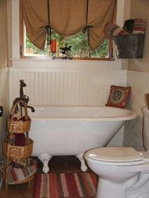 The Daily Tubber - Clawfoot Tub Blog: Clawfoot Bathtubs for Small Bathrooms