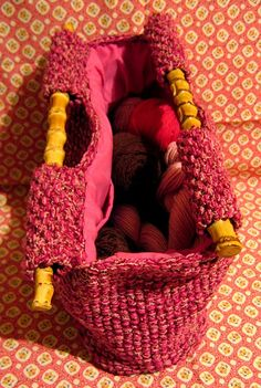 I made this bag some time ago from a great pattern I found at Yarn magazine . And by the way, how wonderful is that cover image with the ya...