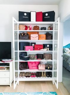 Clever handbag storage ideas storage and organization ideas Closet Walk-in, Closet Bedroom, Closet Storage, Bedroom Decor, Diy Storage, Bedroom Ideas, Closet Ideas, Handbag Storage, Handbag Organization