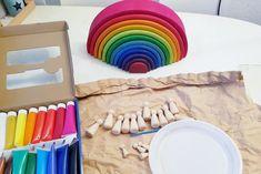 Ook zo'n fan van de Grimm's regenboog? Van houten pegdolls maak je heel eenvoudig je eigen regenboogvriendjes volgens de waldorf filosofie. Ook leuk voor je kind om zelf te maken en na afloop lekker spelen, kleuren benoemen en sorteren! https://www.mamaliefde.nl/blog/waldorf-pegdolls-grimms-regenboogvriendjes-maken/