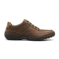 línea de calzado ligero masculino compuesta de dos estilos diferenciados: un zapato fresco casi sandalia que brinda gran comodidad al pie incluso bajo altas temperaturas. el segundo estilo es un sneaker de agujetas urbano con una moderna combinación de texturas. en ambos, detalle de pespuntes visibles y una suela resistente y con relieve que la …