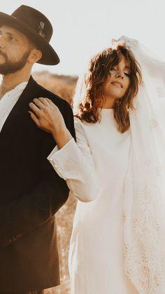 Elopement Wedding Dresses, Elope Wedding, Wedding Book, Wedding Day Inspiration, Elopement Inspiration, Wedding Photography Inspiration, Urban Photography, Couple Photography, Engagement Photography