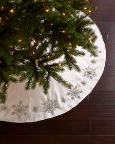 Snowflake Christmas Tree Skirt  Not a pattern - was sold retail