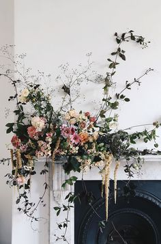 Are you wondering the best beach wedding flowers to celebrate your union? Here are some of the best ideas for beach wedding flowers you should consider. Church Wedding Flowers, Cheap Wedding Flowers, Spring Wedding Flowers, Flower Bouquet Wedding, Floral Wedding, Purple Wedding, Wedding Beach, Wedding Table, Autumn Flowers