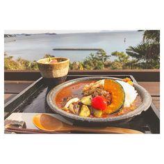 【ainaaan87】さんのInstagramをピンしています。 《↩︎ 載せたい写真がたくさん〜💗💗💗 念願の、たらそ🏝🍛 めちゃ寒だけど、テラス席で☺️ 天気よくて海がとってもきれいだった!! . #たらそ #和カフェ #和カフェたらそ #海の見えるカフェ  #カレー #野菜カレー #ランチ  #テラス #テラス席 #海 #空 #カフェ #西尾カフェ #ドライブ #curry #sea #sky #cafe #lunch #cafestagram  #instagood #instalike #instafood》