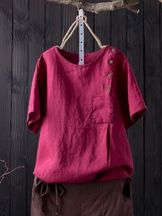 Gracila Solid Color Button Short Sleeve Pocket T-shirt For Women look chipper and natural. NewChic has a lot of women T-shirts online for your choice, believe you will find your cup of tea. Loose Shirts, Henley Shirts, Shirt Blouses, Navy Blue Saree, Paint Shirts, Blouses For Women, T Shirts For Women, Designer Blouse Patterns, Shirt Refashion