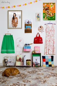 Supermarket Sarah / Frankie - love that little patchwork pillow Handmade Crafts, Diy Crafts, Supermarket, Frankie Magazine, Shops, Inspiration Wall, Home And Deco, Trends, Decoration