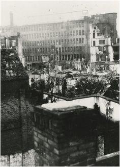 Het Sinterklaasbombardement op Philips: schade na het bombardement. 1942 https://www.facebook.com/Regionaal.Historisch.Centrum.Eindhoven.RHCe