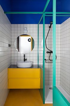 27 Inspirational Bathroom Color Ideas After: The third bathroom is the most vibrant of all, inspired by the vivid hues found at the Majorelle Garden in Marrakech. Even the grout is eye-catching; the duo developed its teal color with the installer. Student Apartment, Student House, Bad Inspiration, Bathroom Inspiration, Bathroom Colors, Small Bathroom, Colorful Bathroom, Bathroom Modern, Bamboo Bathroom