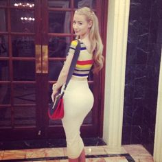 lggy Azalea splits her pants performing onstage and shows us the perils of twerking too vigorously.