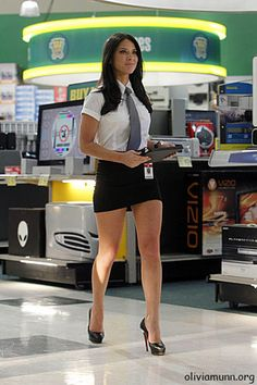 Olivia Munn, Chuck tv series. First time I ever remember seeing her!