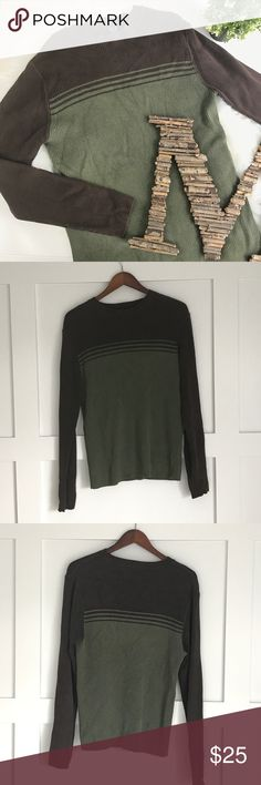 Gap Sweater Two-toned long sleeve rubbed sweater in brown and khaki olive green. Striped on chest with crew neck. Semi fitted. GAP Sweaters Crewneck