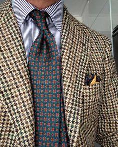 "cezinho78: ""Tweed season + amazing new tie from #egcappelli in madder silk. #orazioluciano #drakes #tieporn #menswear #napoli #handmade #sartorial #tweed #pocketsquare #tieporn """
