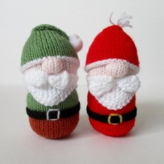 Knitted Santa & Gnome decorations - this knitting pattern is quick to make, they would make great Christmas tree decorations, or ornaments to make your house festive!