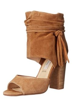 Kristin Cavallari for Chinese Laundry Leigh Peep Toe Sandal