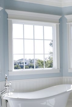 Best bathroom window ideas one and only homestre.com Cozy Bathroom, Bathroom Windows, Bathroom Layout, Bathroom Styling, Small Bathroom, Bathroom Ideas, Simply Bathrooms, Luxury Master Bathrooms, Beautiful Bathrooms