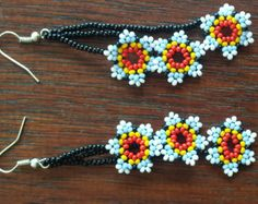 3 flores hechas a mano aretes Huichol