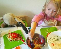 Spaghetti Shop Pretend Play for Kids!I thought she was using yarn which would also be fun. But she is using real cooked noodles. Dramatic Play Area, Dramatic Play Centers, Pretend Play, Role Play, Play Centre, Sensory Play, Sensory Table, Thinking Day, Learning Italian