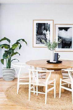 Love the black & white planter