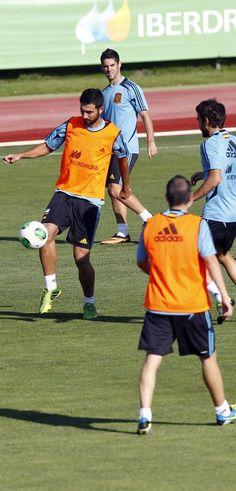 Albiol, durante un entrenamiento en Las Rozas en 2013 #seleccionespanola #LaRoja #diariodelaroja