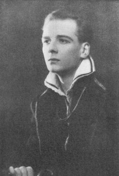 John Gielgud's first appearance as Hamlet, during the Old Vic Season of 1929/1930