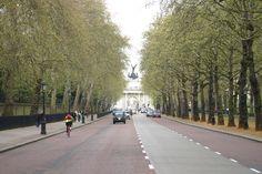 London Sidewalk, Spaces, London, Walkway, London England, Walkways