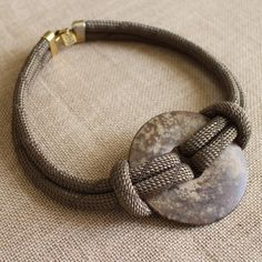 Simple jewelry repairs you can do by yourself Rope Jewelry, Rope Necklace, Leather Jewelry, Jewelry Crafts, Jewelry Art, Beaded Jewelry, Jewelery, Jewelry Necklaces, Fashion Jewelry