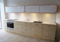 Villemoes Møbler, køkkener, skabe og borde. | Køkkener