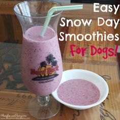 Easy Snow Day Smoothies for Dogs (and Humans)   http://www.beaglesandbargains.com/easy-snow-day-smoothie-dogs/