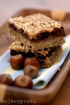 NUTTY CRANBERRY BAR WITH CHOCOLATE