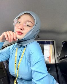 Beautiful Muslim Women, Beautiful Hijab, Beautiful Asian Girls, Hijab Fashionista, Hijab Chic, Girl Hijab, Beauty Full Girl, Free Hair, Asian Woman