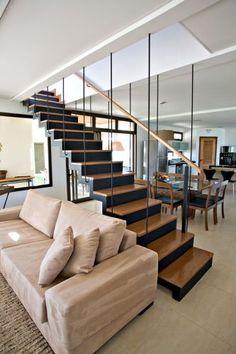 Escadas: projetos de diferentes estruturas e estilos - Casa e Decoração - UOL Mulher