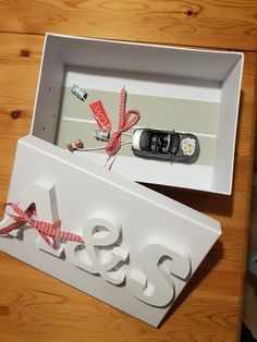 Geschenk Hochzeit Diy Valentines Gifts For Him, Romantic Valentines Day Ideas, Wedding Cards, Wedding Gifts, Diy And Crafts, Arts And Crafts, Holiday Gifts, Gift Wrapping, Handmade Gifts